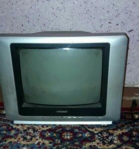 Маленький телевизор. Очень чисто показывает.
