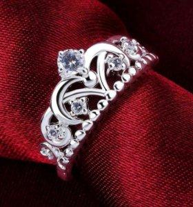 Новые кольца с фианитом серебро 925пробы.