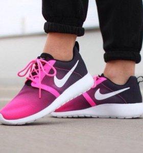 Кроссовки Nike Roche run