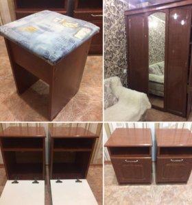 Шкаф-купе+2тумбы+стул