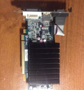 Видеокарта 5570 Radeon