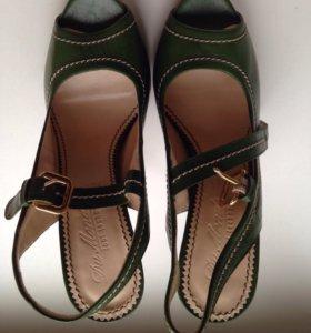 Туфли новые кожаные Италия
