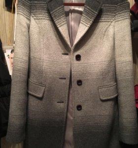 Женская одежда. Новое ! Пальто.