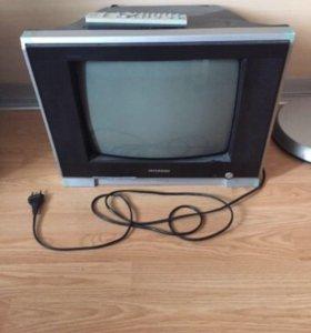 Телевизор с пультом