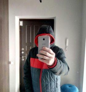 Спортивную куртку Reebok, новую