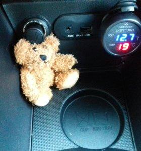 Автомобильный датчик температуры и напряжения
