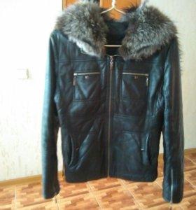 Кожанная куртка с мехом чернобурки.