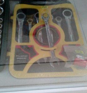 Набор ключей,новый