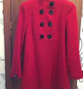 Пальто в хорошем состоянии, после химчистки