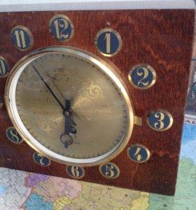 Часы настееные