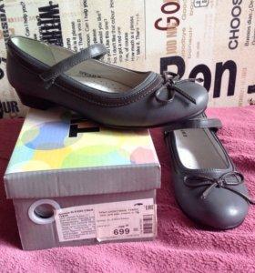 Туфли новые для девочки, 34 размер