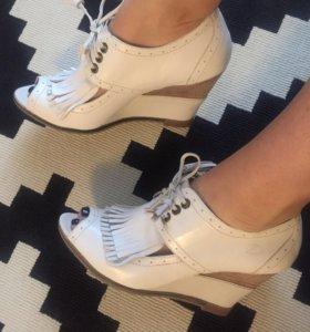 Новые кожаные туфли/Ботильены