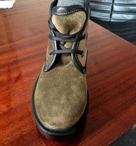 Новые модные ботинки