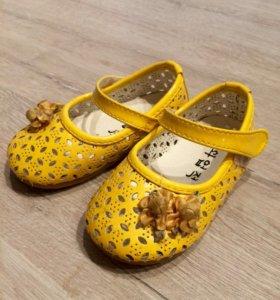 Туфли туфельки для девочки