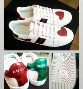 Кроссовки новые Gucci