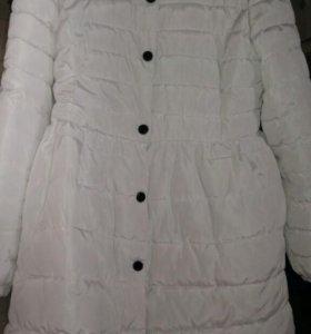 Пальто демисезонное,44 размер