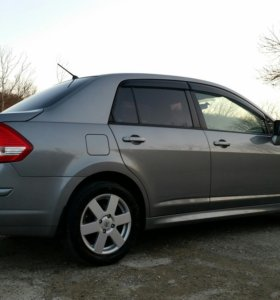 Nissan Tiida (тиида) 2013