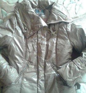 Курточка весеняя