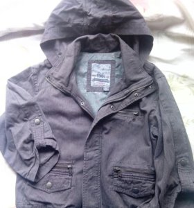 Куртка легкая BERSHKA. 46-48