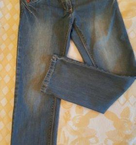 На весну брюки и джинсы