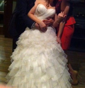Свадебное платье!красивое нужно смотреть в живую!
