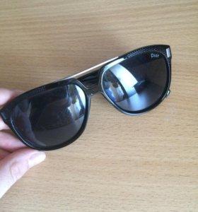 Очки солнцезащитный