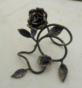 Кованная роза. Подсвечник