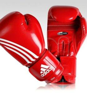 Продам КикБоксерские перчатки.