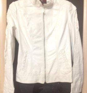 Новая кожаная куртка 44-46