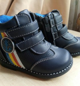 Детские ботинки НОВЫЕ весна осень