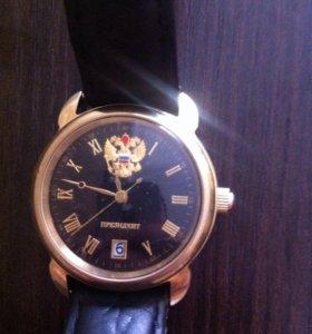 Продаю часы Президент