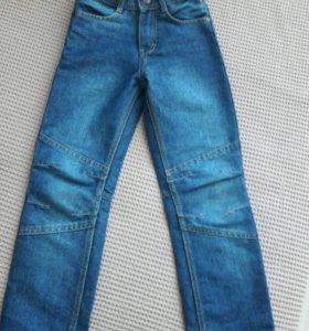 Новые джинсы на рост 122
