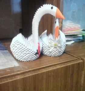 Два лебедя свадебных