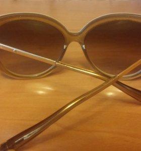 Очки солнцезащитные  Louis vuitton