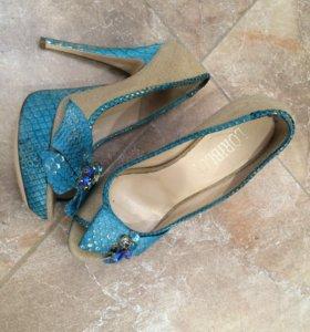 Оригинальные туфли loriblu