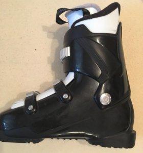 Ботинки горнолыжные новые размер 40,5