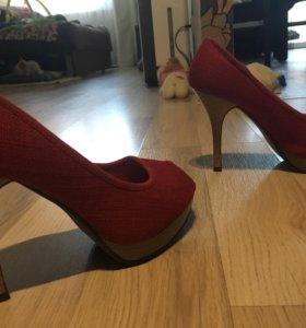 Туфли красные