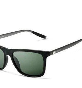 Очки солнцезащитные, брендовые новые!
