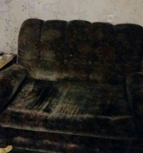 Продам диван. Срочно. Торг.