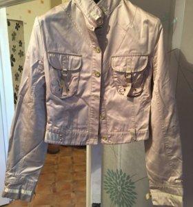 Легкая курточка (ветровка)