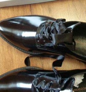 Новые брендовые туфли .Срочно.!