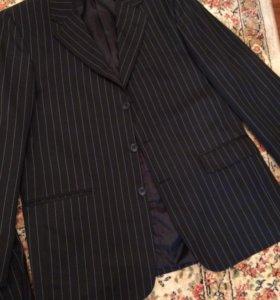 Мужской костюм размер 52