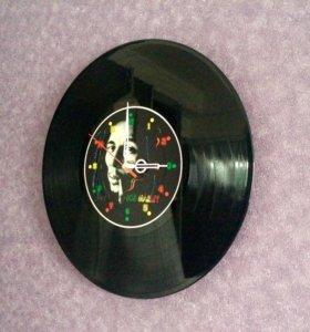 Часы пластинка