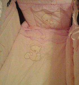 Продам детский комплект в кроватку
