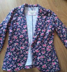 Пиджак модный в цветок из терранова