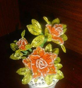 Веточка розы из бисера