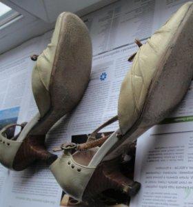 Босоножки летние бежевые Carnaby, каблук 5см. Б/у,
