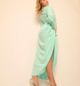 Платье очень красивого мятного цвета