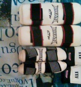 Щитки на предплечье,ноги и перчатки для Тхеквондо