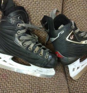 Коньки хоккейные 33 размер